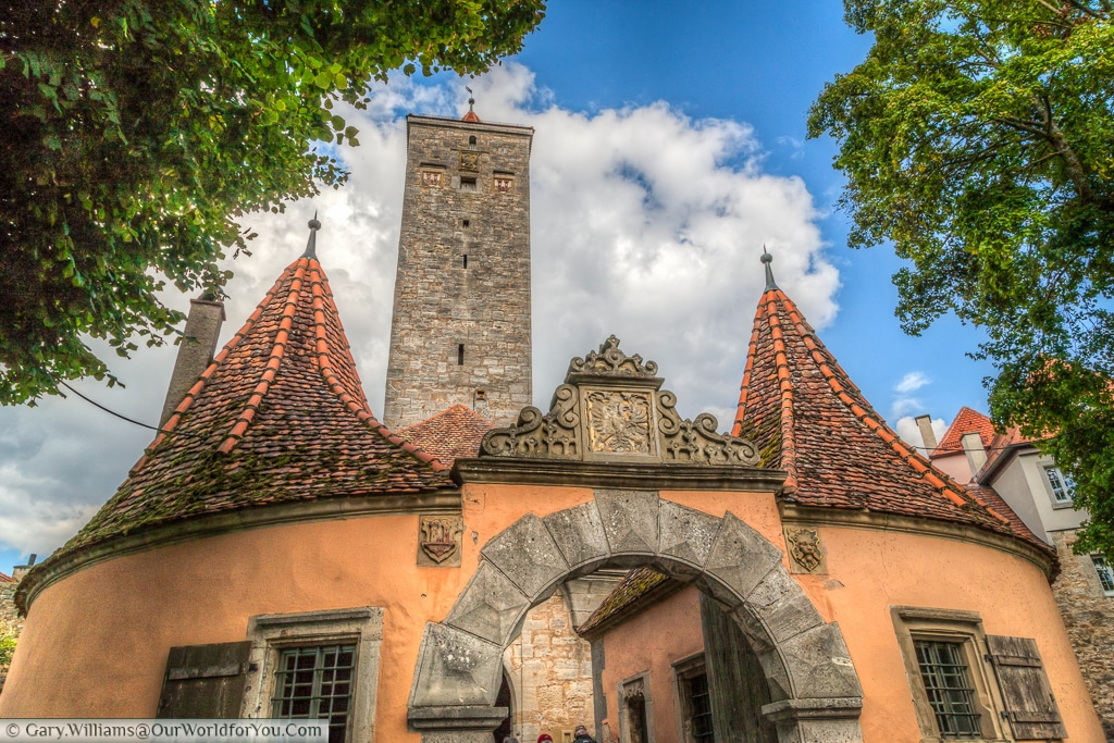 The view of the Castle gate (Burgtor) from the Castle Gardens (Burggarten) , Rothenburg ob der Tauber, Bavaria, Germany