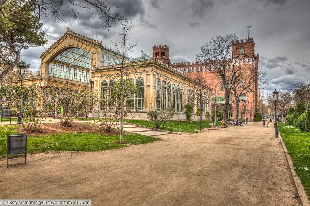 Castell dels Tres Dragons & L'Hivernacle, Barcelona, Spain