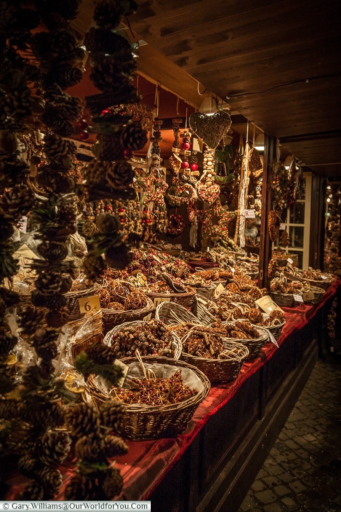 Arts & crafts stalls at the Christmas Markets, Cologne, Germany