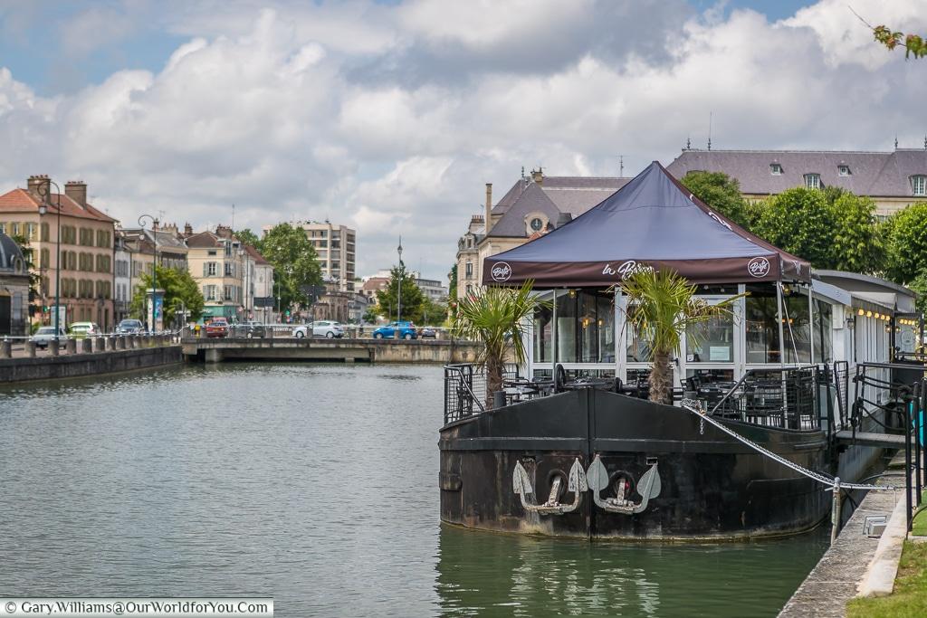 La Barge, Canal du Trévois, Troyes, Champagne, Grand Est, France