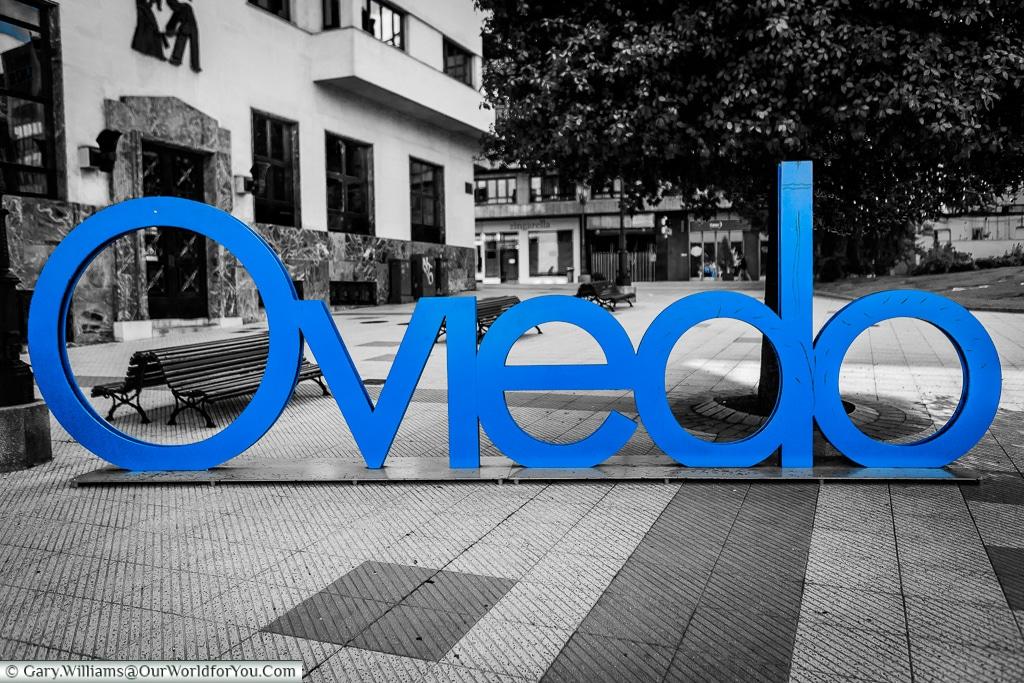Oviedo sign