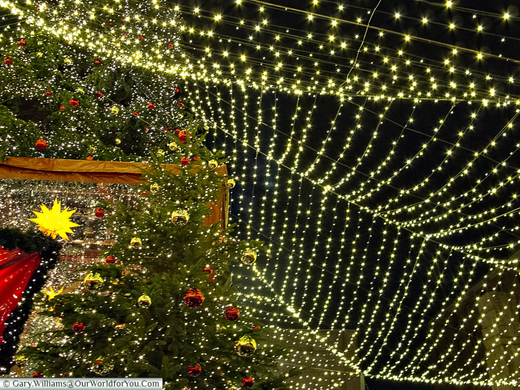 Under a canopy of Christmas lights & Cologne Christmas Markets - The Gallery - Our World for You
