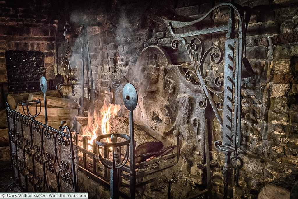 The Giants' Fireplace, Mermaid Inn, Rye, East Sussex, England, UK