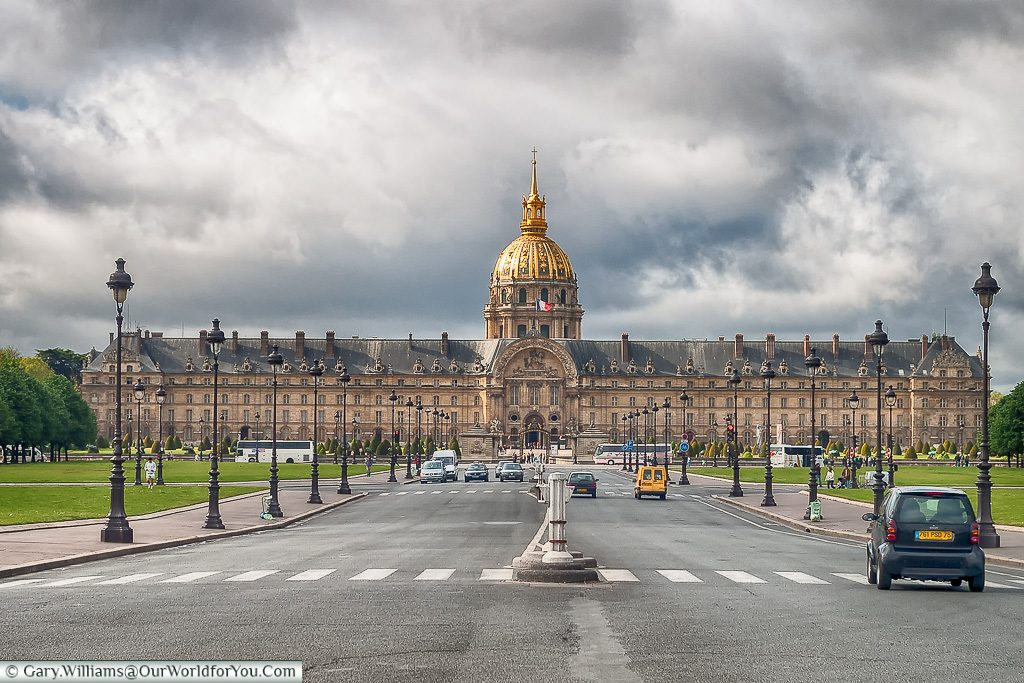 Les Invalides - Napoleons Tomb & Army Museum, Paris, France