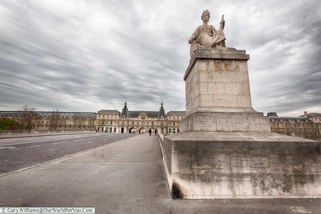 Pont du Carrousel, Paris, France