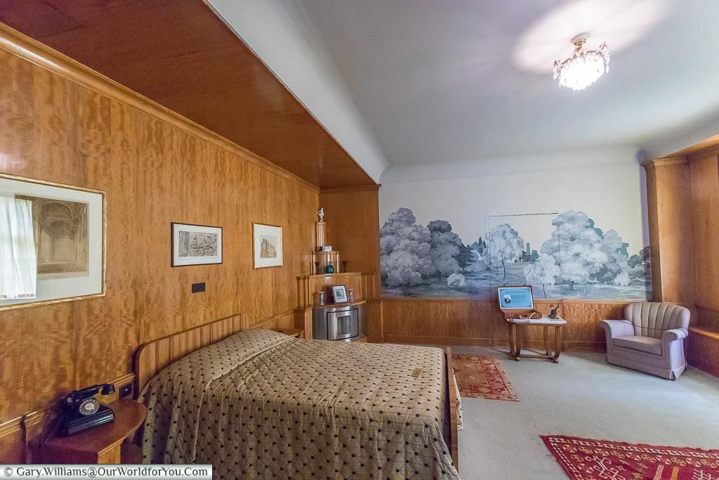 Stephens Bedroom, Eltham Palace, London, England, UK