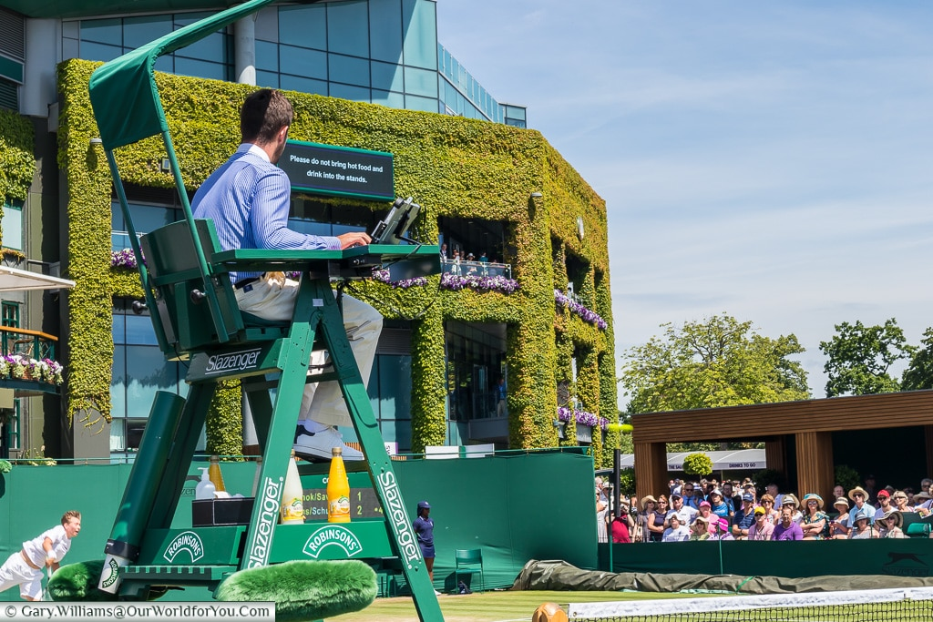 Umpire on the outer courts, Tennis, Wimbledon, London, England,