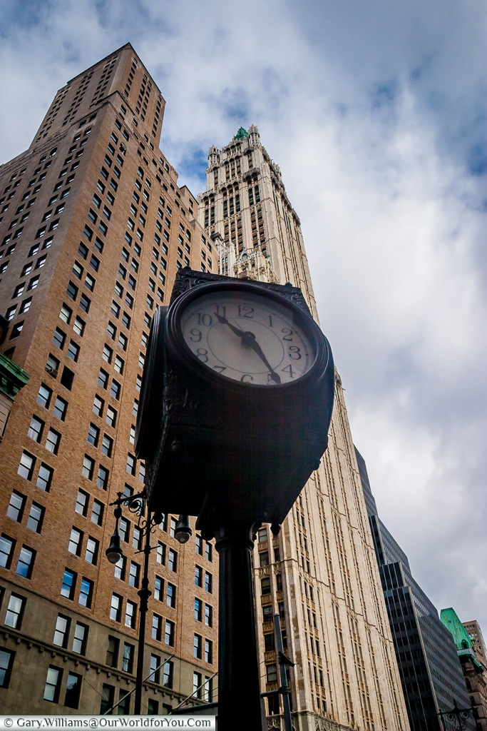 The clock in front of the Woolworth Building, Manhattan, New Yor