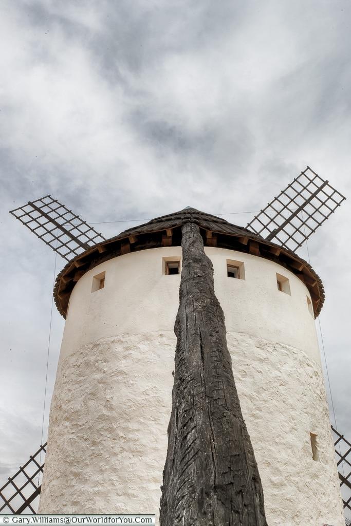 Turning the mill, Campo de Criptana, Spain