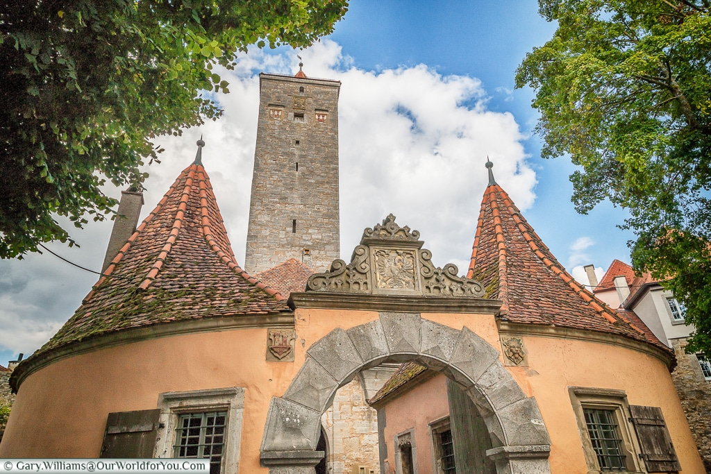 The old castle tower and gate, Rothenburg ob der Tauber, GermanyThe old castle tower and gate, Rothenburg ob der Tauber, Germany