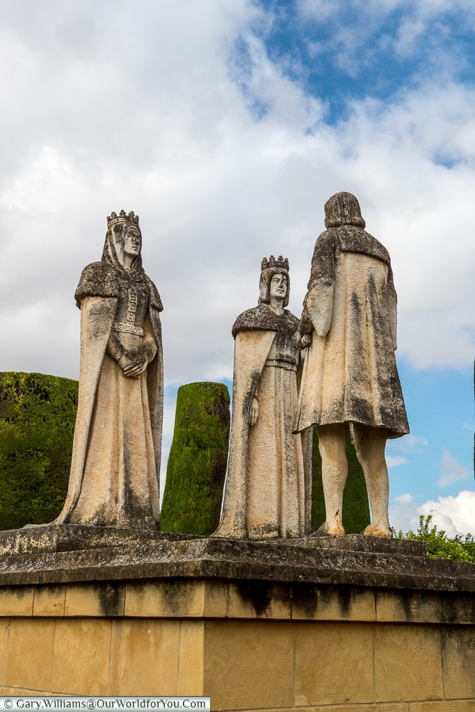 They meet, Alcázar de los Reyes Cristianos, Cordoba, Córdoba, Spain
