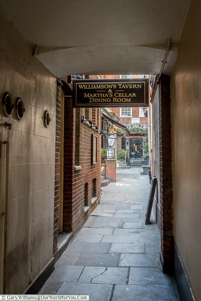 The quiet lanes, City of London, London, England, UK