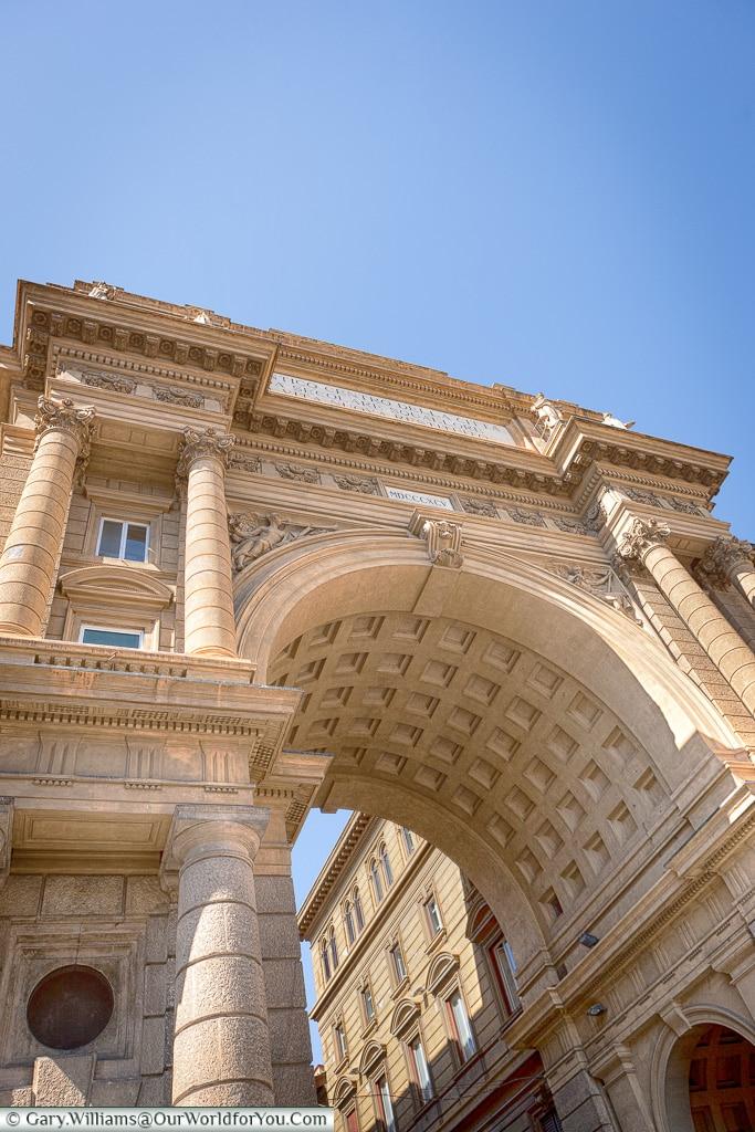 The arch in Piazza della Repubblica, Florence, Tuscany, Italy