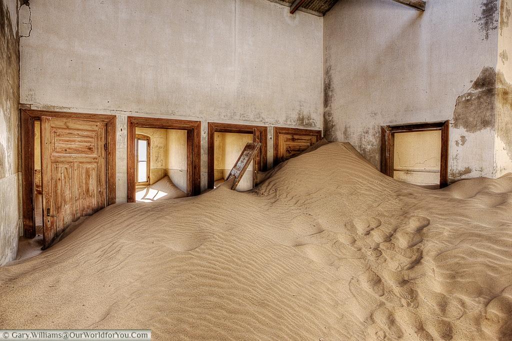 Sand everywhere, Kolmanskop, Namibia
