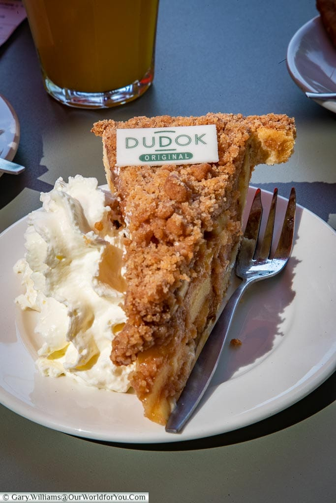 Dudok's original apple pie, Rotterdam, Netherlands