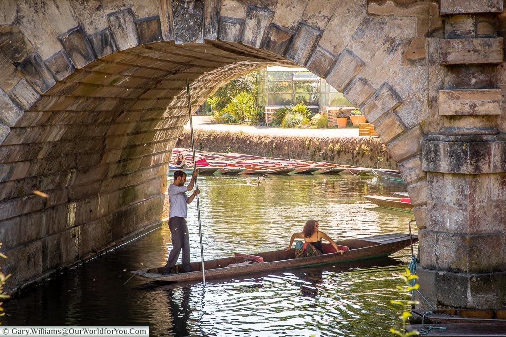 Punting on the river, Oxford, England, UK