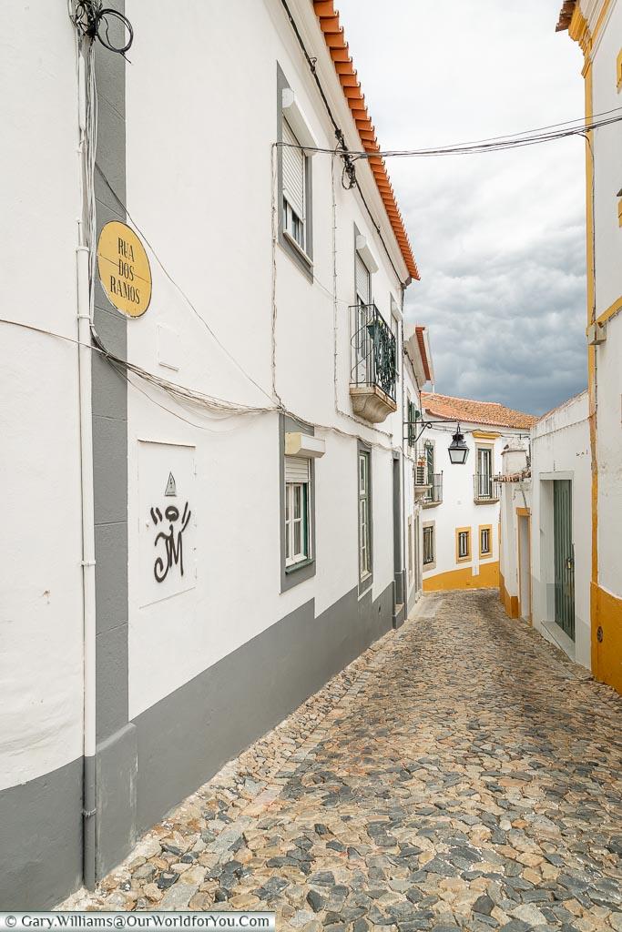 Stepping through the cobbles lanes of Évora, Portugal