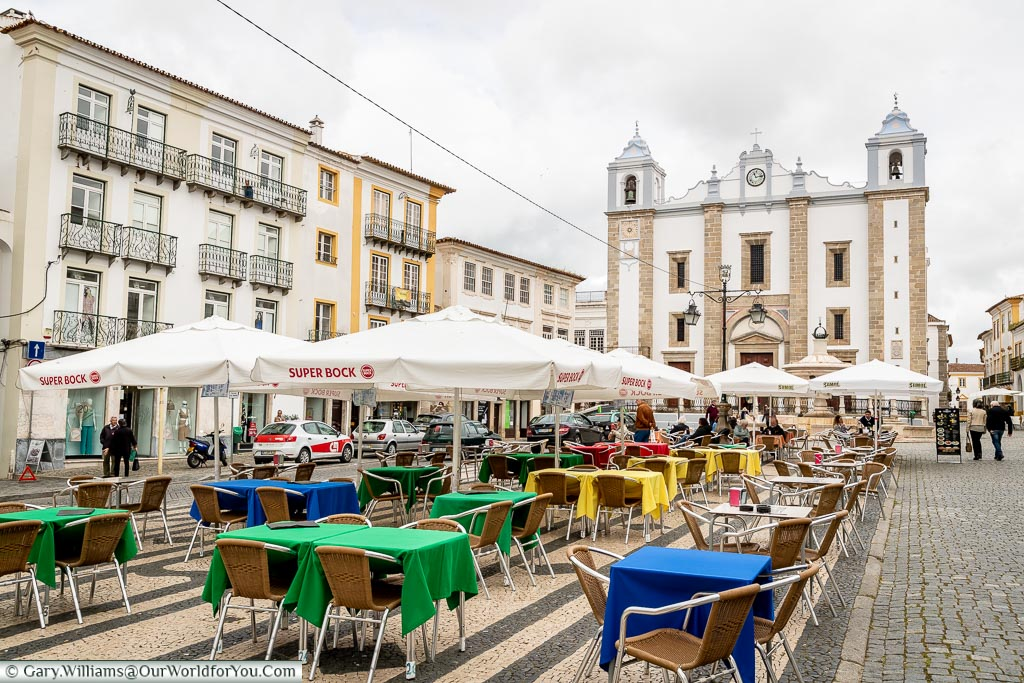 The Giraldo Square with St. Antons church in the background, Évora, Portugal