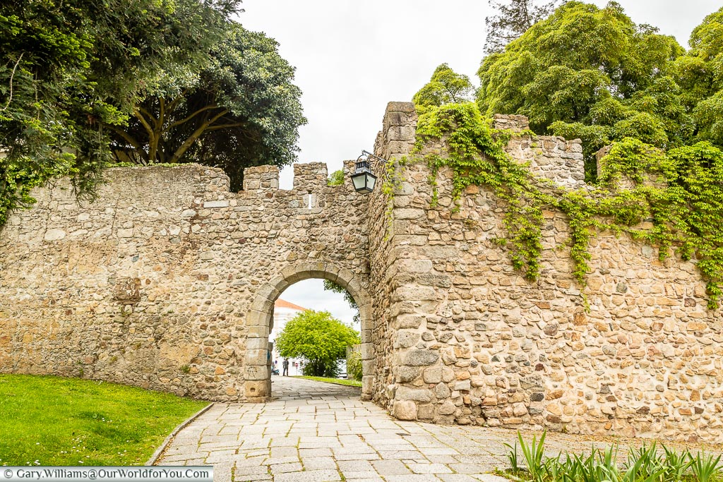 The old city walls, Évora, Portugal