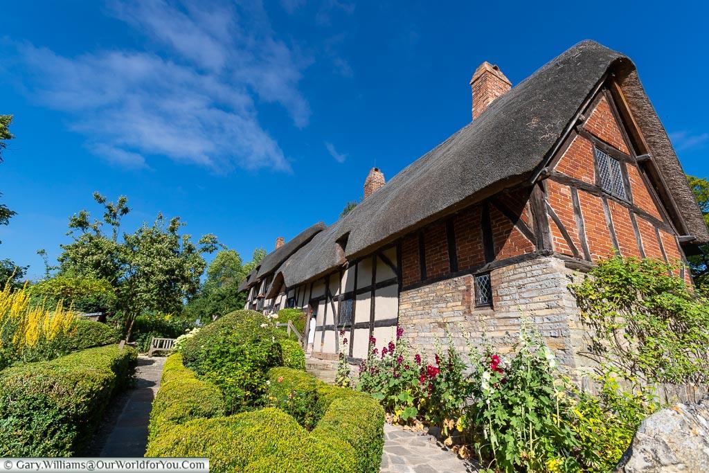 Anne Hathaway's Cottage, Stratford-upon-Avon, Warwickshire, England, UK