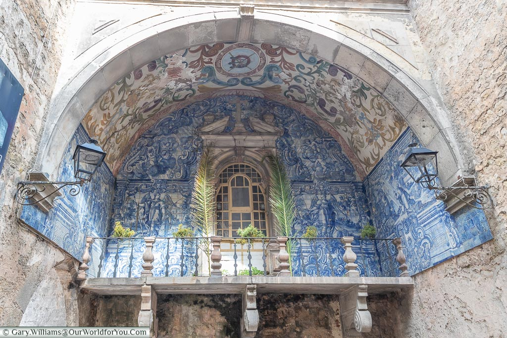 Azulejo at Port da Vila,  Óbidos, Portugal
