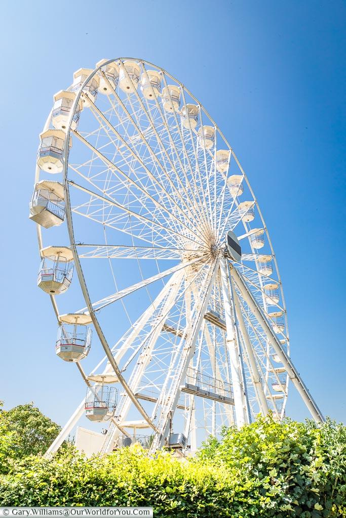 The ferris wheel, Stratford-upon-Avon, Warwickshire, England, UK