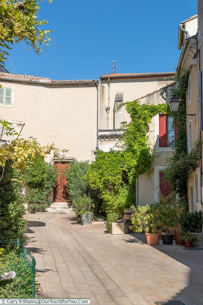 A hidden courtyard, St Remy-de-Provence, France
