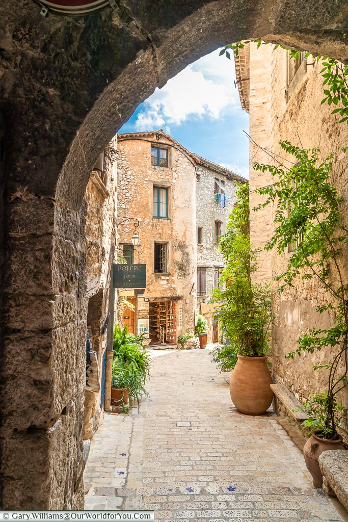 The narrow lanes of Tourrettes-sur-Loup, Provence, France