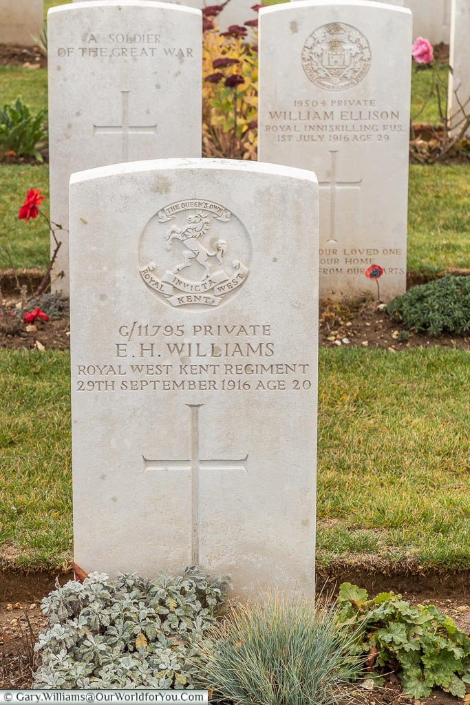 The headstone to Ernest Henry Williams in Connaught Cemetery, Theipval, Somme, France