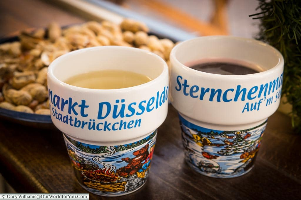 Weiß and regular glühwein, Düsseldorf, Germany