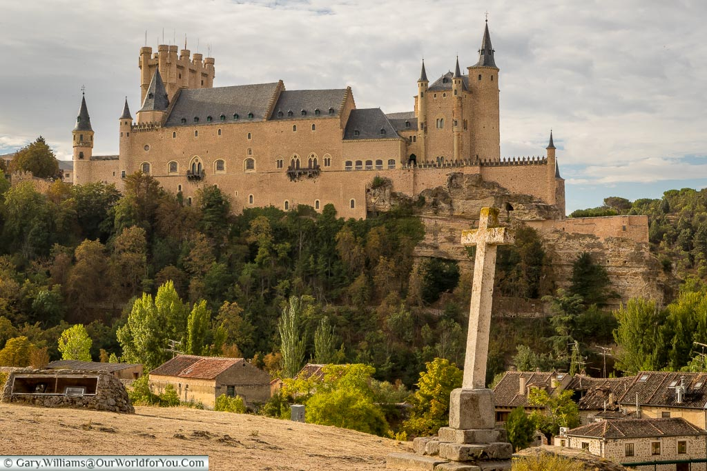 The view of the Alcázar from the Templar church, Segovia, Spain