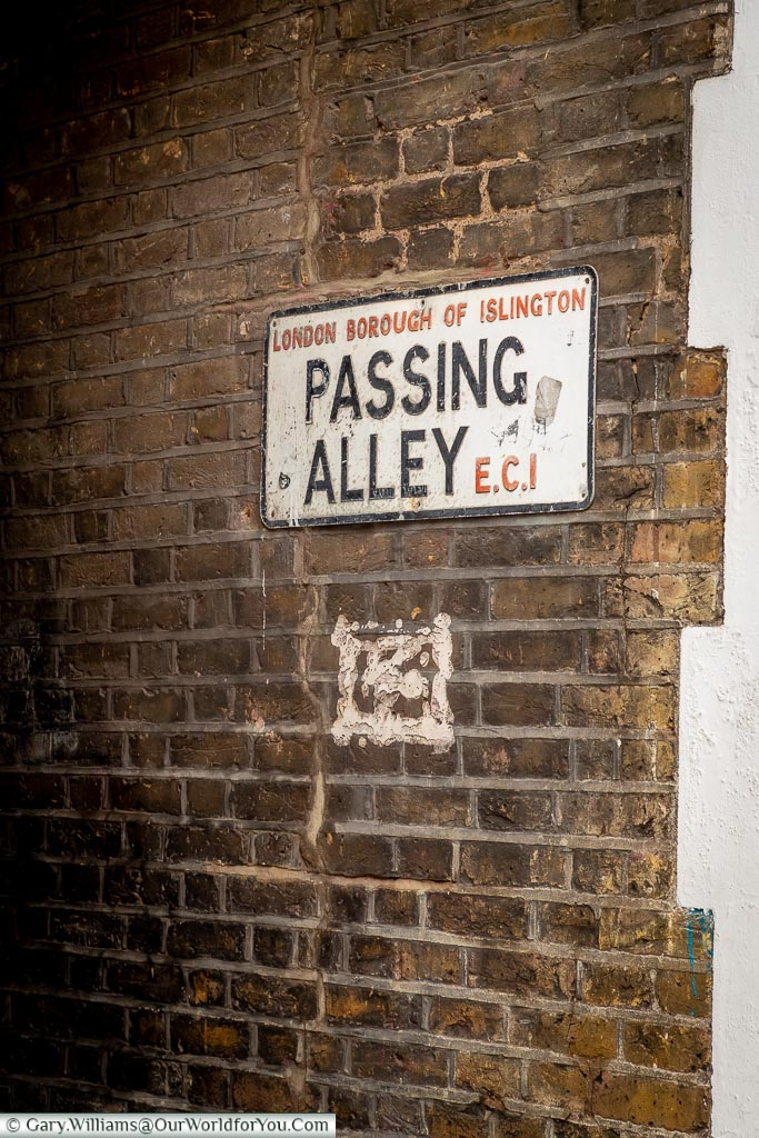 Passing Alley, Clerkenwell, London, England, UK