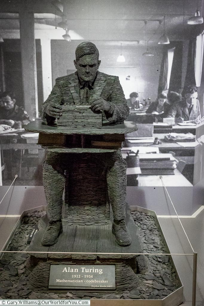 Statue of Alan Turing made from Welsh slate by Stephen Kettle, Bletchley Park, Buckinghamshire, England, UK