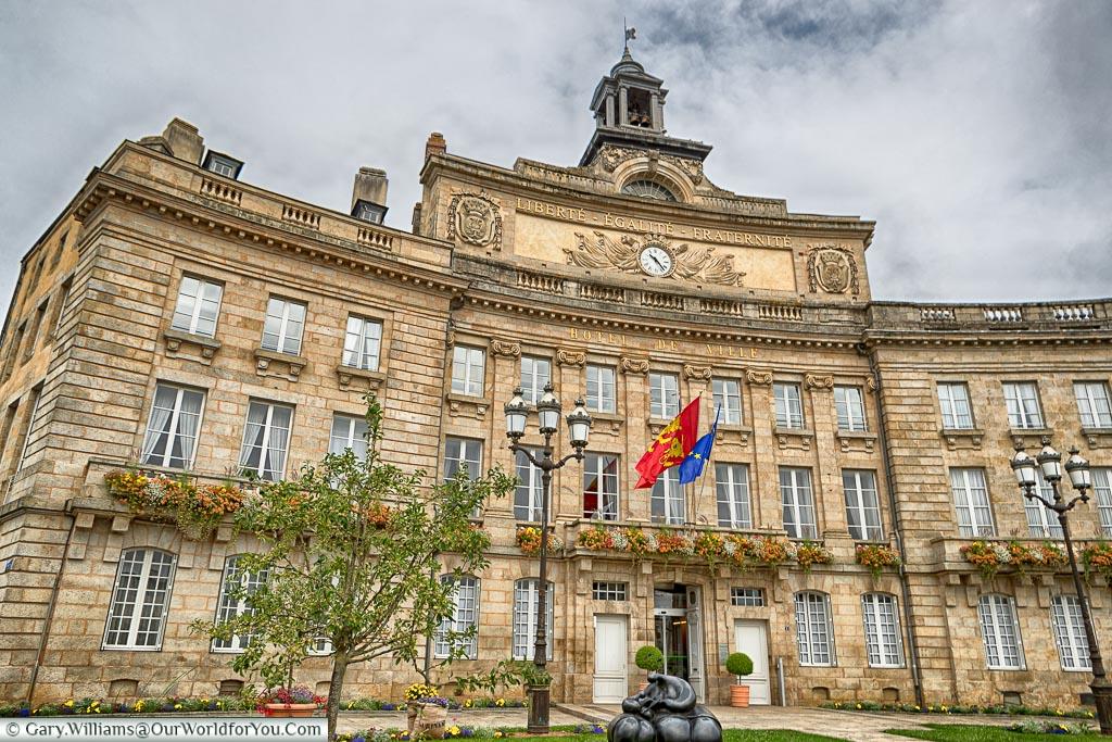 A close-up shot of the town hall, or L'Hôtel de Ville, in Alençon.