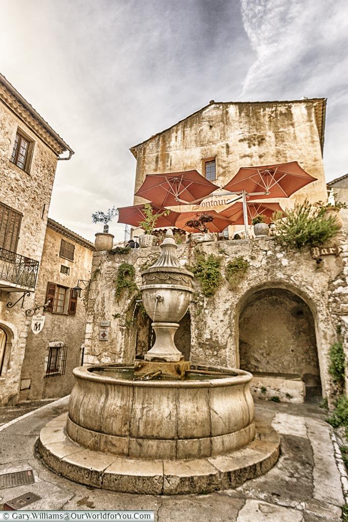 La Grande Fontaine de 1850 in St Paul de Vence, France