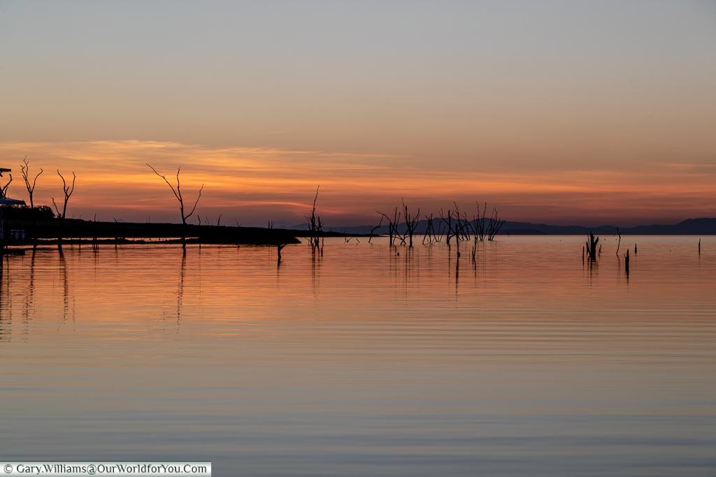 Sunset view, Sundowner cruise, Rhino Safari Camp, Lake Kariba, Zimbabwe