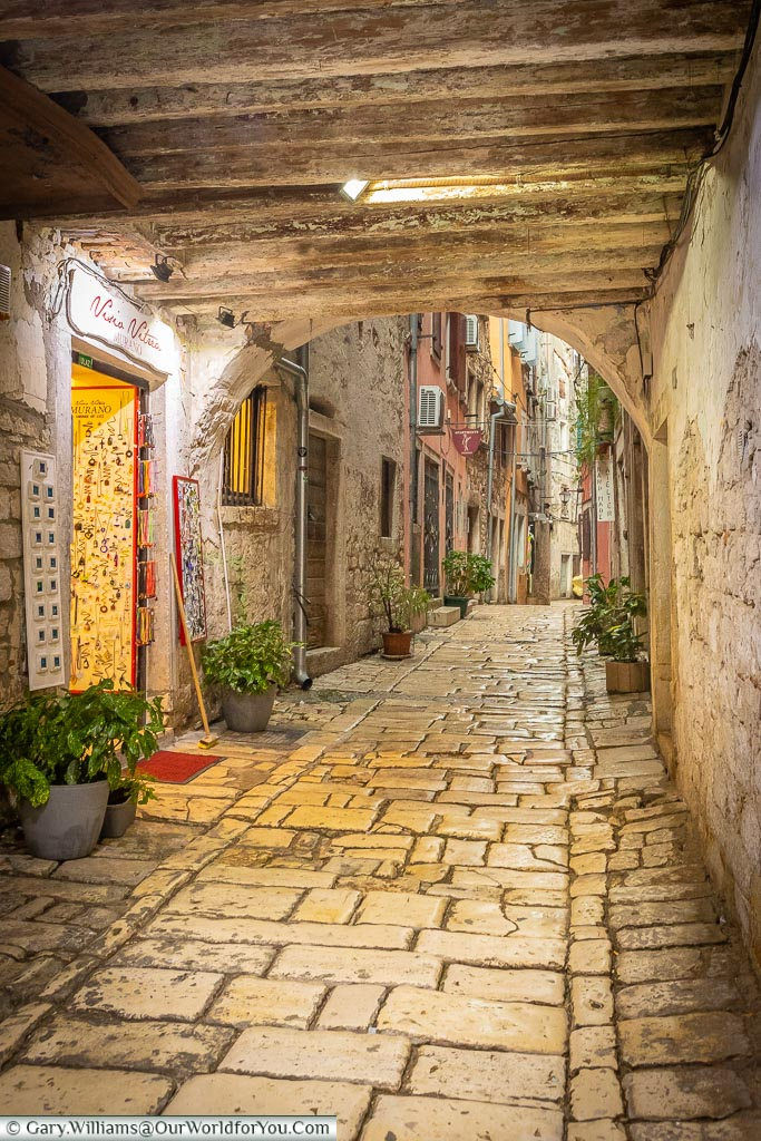 The cobbled lanes & passageways of Rovinj