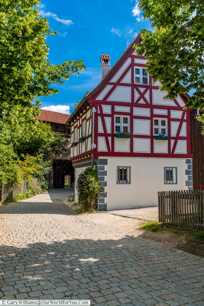 A typical half-timbered house we discovered as we walked along the cobbled lanes of Nördlingen.