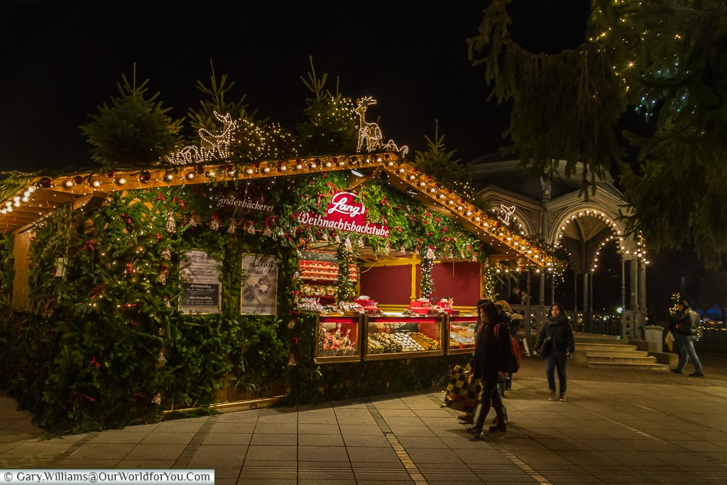 A cake stall at the entrance to one of the Stuttgart Christmas markets.