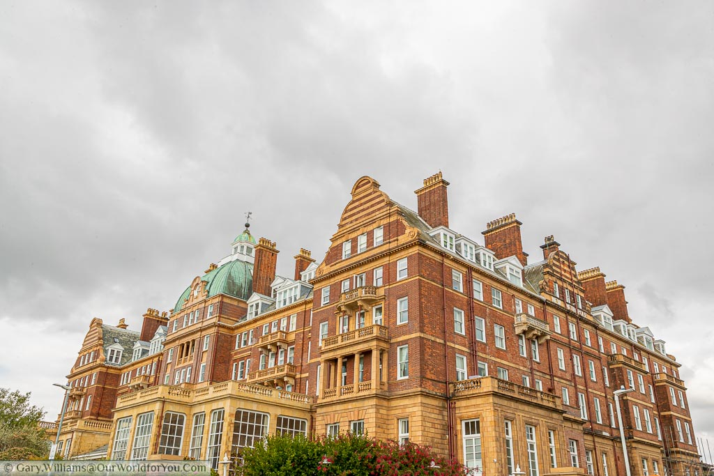 The Metropole Hotel, another late Victorian period hotel of red & sand brick.