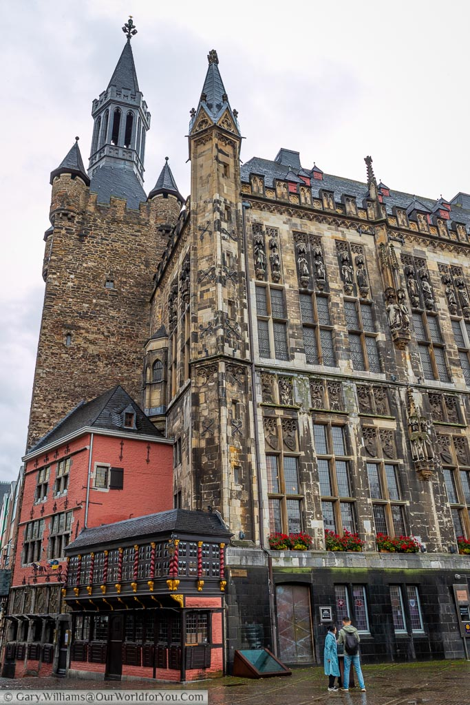 The tower at the end of the Rathaus that contains an additional building that has held many functions, including a coaching inn for the stagecoaches that passed through town.