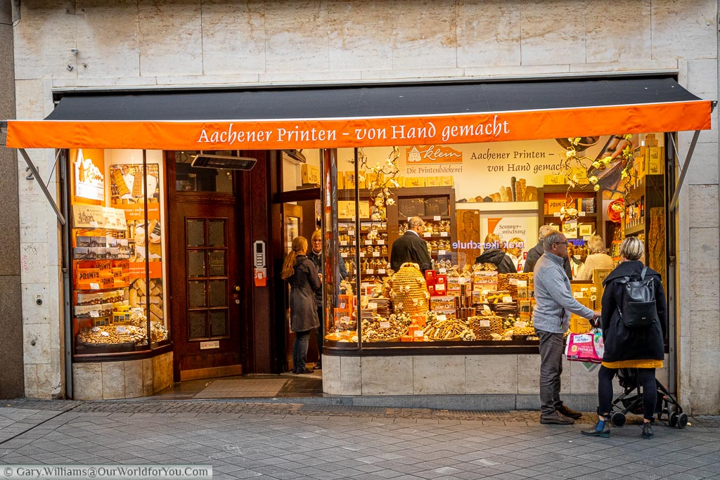 The Klein Aachener Printen gingerbread shop.  There are many gingerbread shops in town, each selling there own Aachener Printen but Klein is the one we've always brought back from Cologne