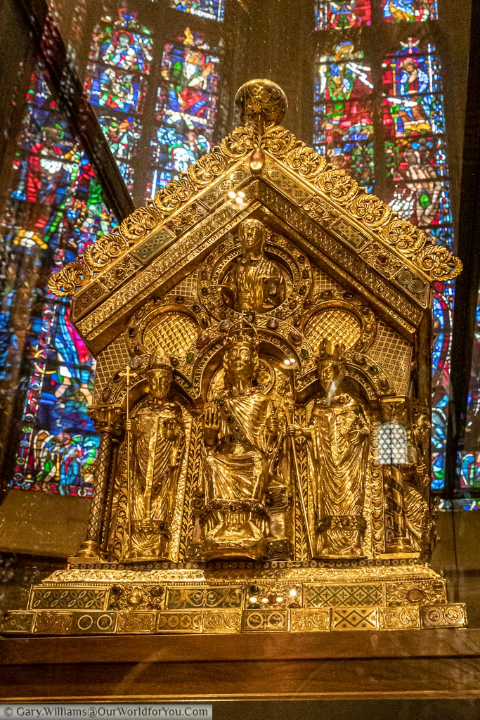 An up-close view of the golden Karlsschrein.  You can only get his close to the treasure via an organised tour of the Cathedral.