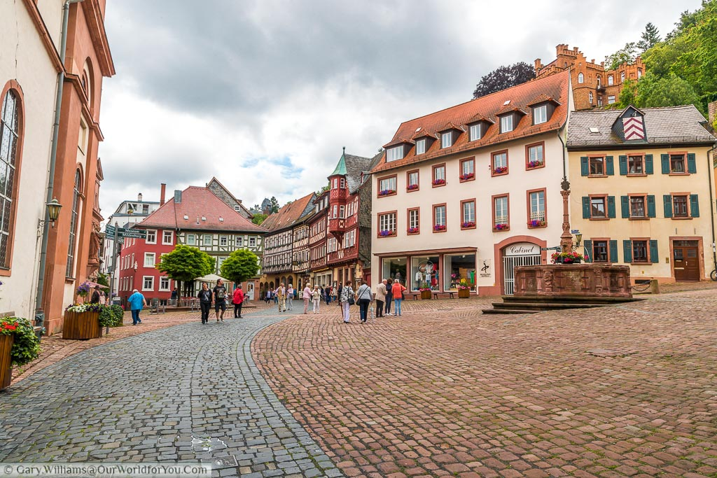 The cobbled marktplatz with its red stone fountain.