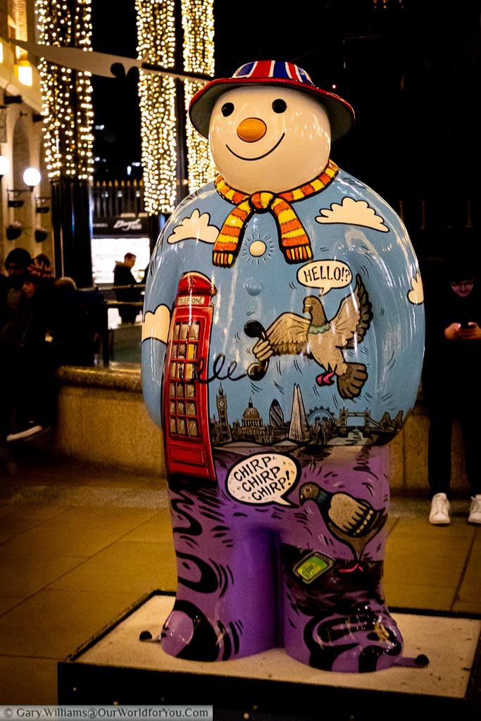 The 4th day of Christmas painted on another of 'The Snowman' statues in Hay's Galleria.