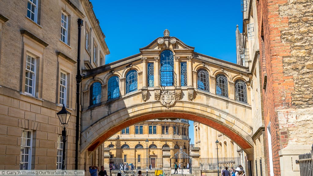 The Bridge of Sighs in Oxford on a bright clear day.
