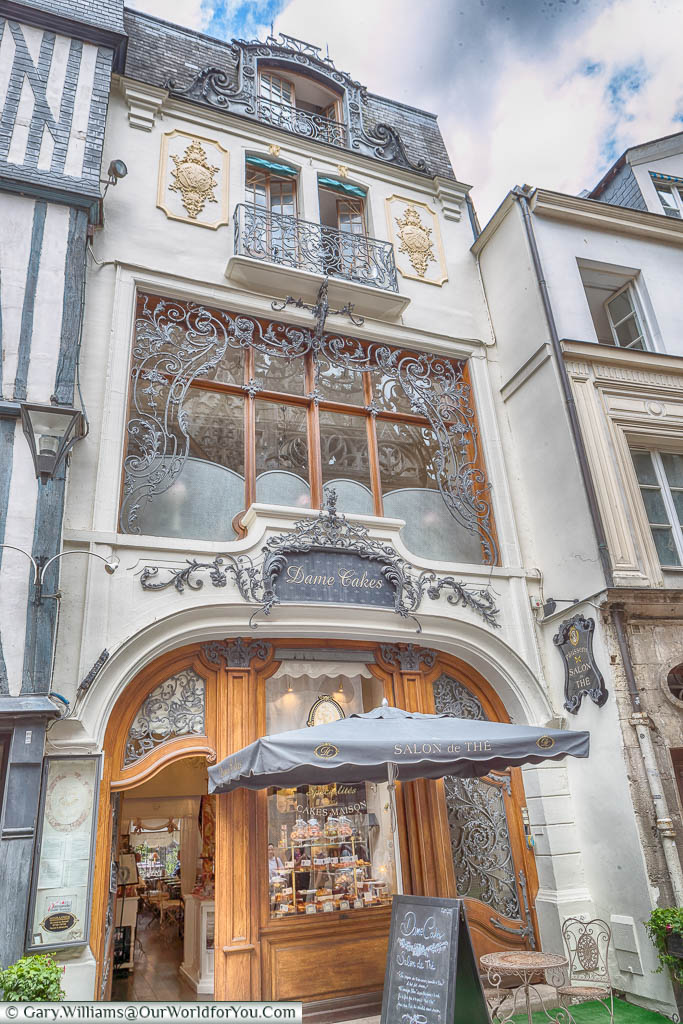 An ornate art deco style facade to a pastisserie in Rouen.