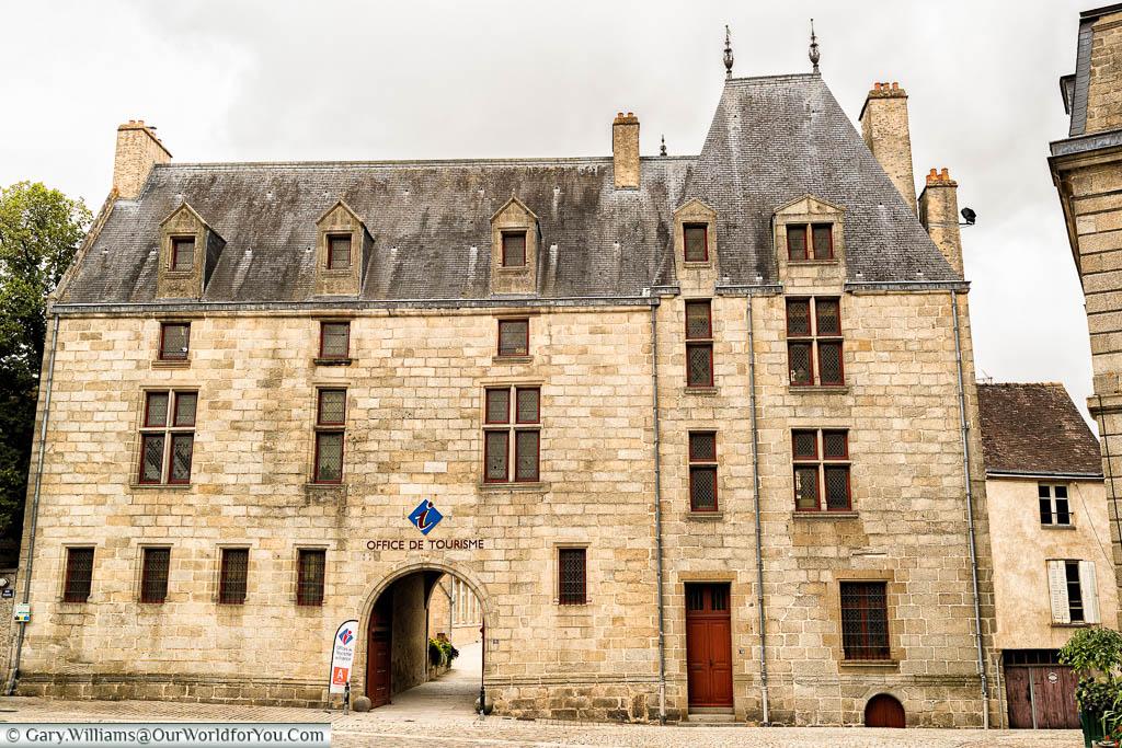 The Alençon tourist office in Maison D Ozé building.