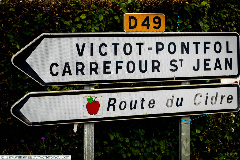 A street route sign for the Route du Cidre, or Cider Route, along the D49 in Normandy