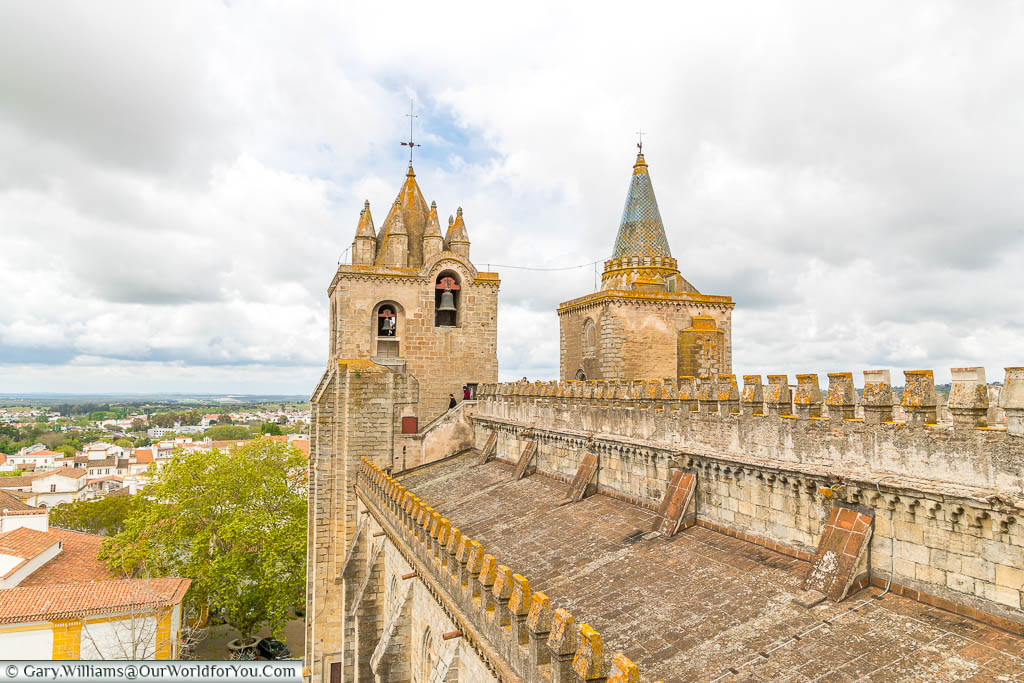 Upon the roof of Évora Cathedral